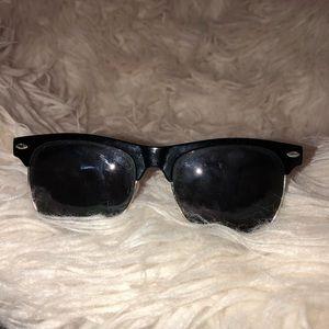 ▪️Black Sunglasses ▪️